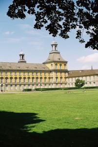 Universität besiegelt das Aus der eigenständigen Rheinischen Landesgeschichte – Ende einer fast 100 jährigen Tradition.