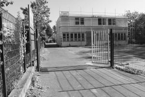 In vollem Gange: Arbeiten an der zukünftigen Unterkunft Röhfeldstraße. Foto: jak